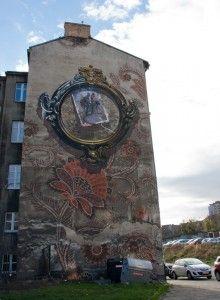 Kazimierz Nowak an der Hauswand