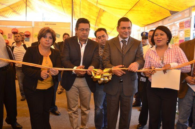 Carlos Estrada inauguró la Feria del Empleo Iztacalco 2015
