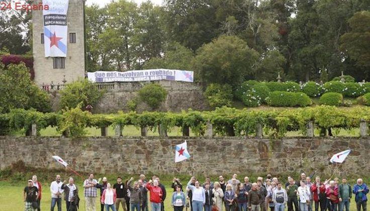 """Cuelgan en el Pazo de Meirás carteles de """"Franquismo, Nunca Máis!"""" para pedir """"su devolución al pueblo"""""""