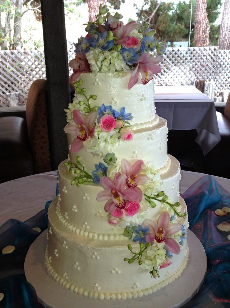 wedding cake pictures with cascading flowers 7 best wedding stuff images on wedding stuff 23446