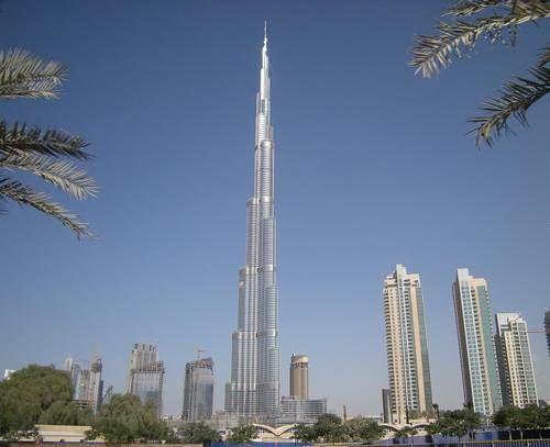 Burj Khalifa in the United Arab Emirates TALLEST BUILDING IN THE WORLD