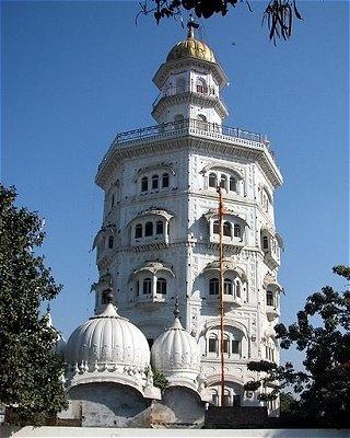 Gurdwara Baba Atal, Amritsar