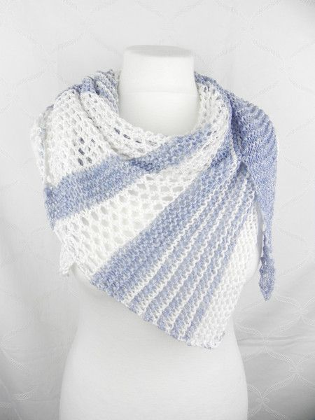 Dreieckige Schals – TRIPLE CLOTHES DENIM BLUE WHITE – ein Designerstück …   – Sylvis Handgestrickte Schals und Tücher