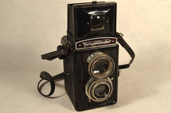Voigtlander Brilliant Bakelite TLR Twin Lens Reflex Camera
