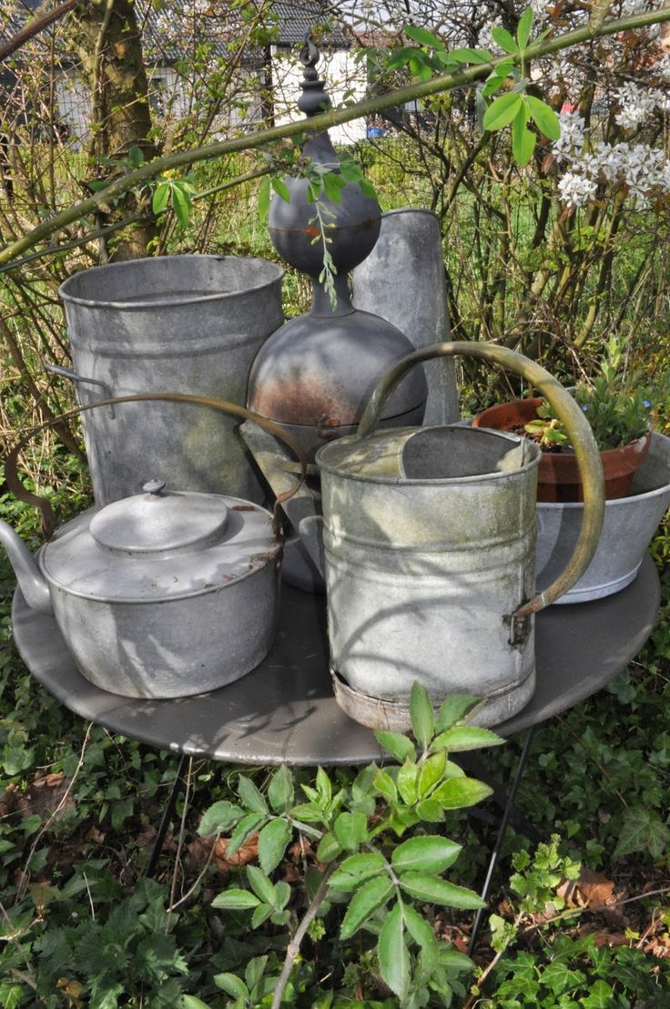 Bouts de tissu zinc pinterest buckets rustic and pots for Rustic galvanized buckets