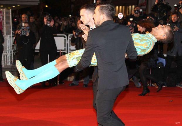 Cortège atypique pour le chanteur belge Stromae