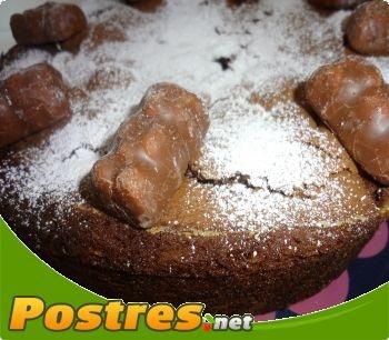 Receta con Thermomix: Bizcocho al chocolate,  Rico bizcocho elaborado con ingredientes tradicionales y chocolate. Ideal para cumpleaños.