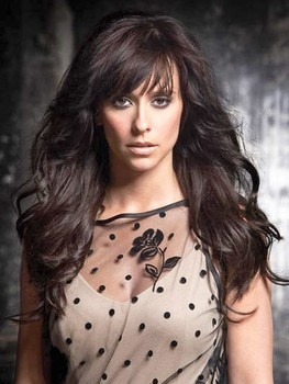 When I grow my hair back out, it WILL look like this. I seriously think the only reason I watch Ghost Whisperer reruns is because I'm obsessed with her hair and clothes.