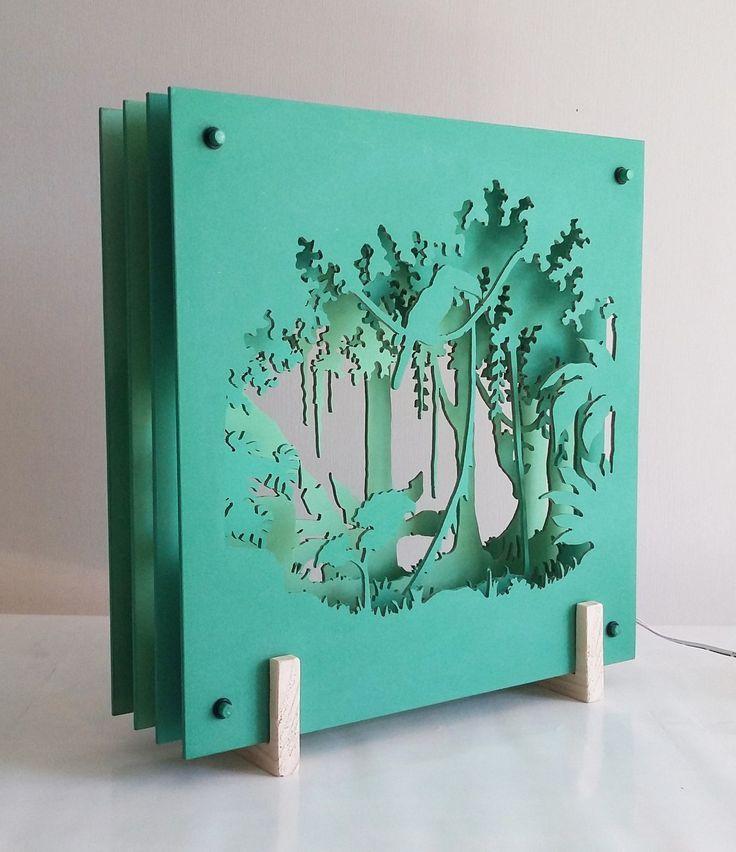 Leuchtende Scénette in drei Dimensionen, grüne Abstufungen: Dschungel