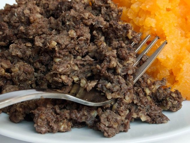 A recipe for Homemade Haggis made with oatmeal, beef suet, calf liver, beef heart, onion, cayenne pepper, ground allspice, salt