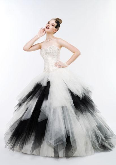 32 best images about robe de mari e noir et blanche on pinterest wedding dress 2013 gothic. Black Bedroom Furniture Sets. Home Design Ideas