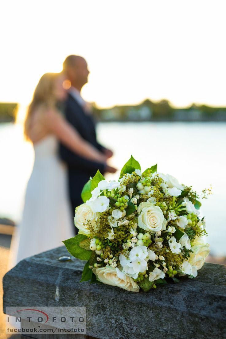 Den smukke brudebuket #Bryllup #Wedding #Intofoto #Bryllupsfotograf #Brudebuket #Bryllupsbuket #Brudepar
