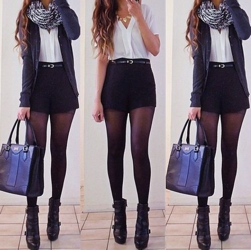 Shorts preto + cinto fino + camisa Rose + cardigã Preto + meia + angle