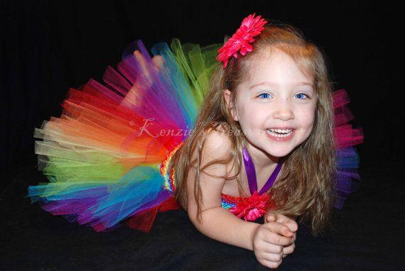 Vestido de arco iris y Margarita cabello Clip Set  tamaño de