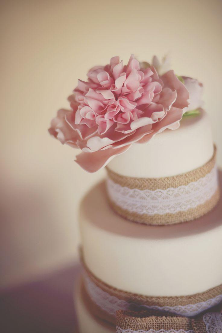 My wedding cake with jute ribbon