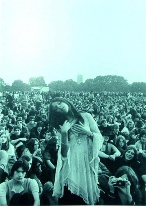 Historical inspiration-The Woodstock Music Festival of 1969 | Moda and Estilo