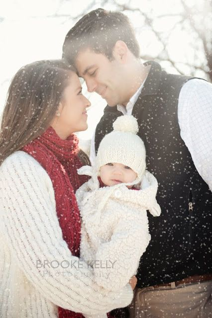 Family photos in snow--rare in Nashville! {Brooke Kelly Photography}