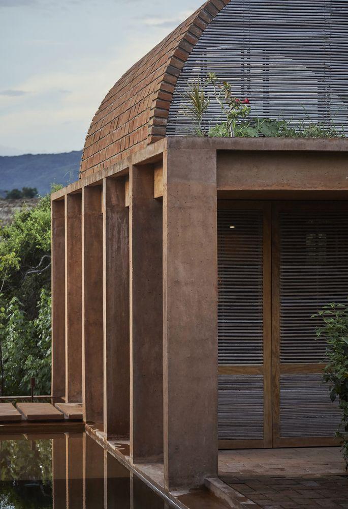 Gallery Of Volta House Ambrosi I Etchegaray 10 Brick Architecture Roof Architecture Architecture
