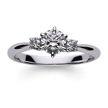 華やかでいて落ち着いた雰囲気 *エンゲージリング 婚約指輪・ミキモト一覧*