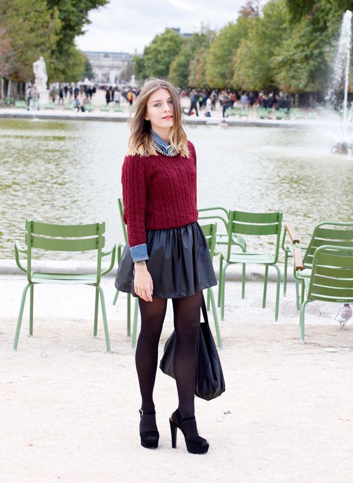 Magdalena from Hoards of Trends @hoardsoftrends transitions her Steve Madden sandals into fall with black tights, a pleated leather skirt and a cable-knit sweater. #SMOOTD:
