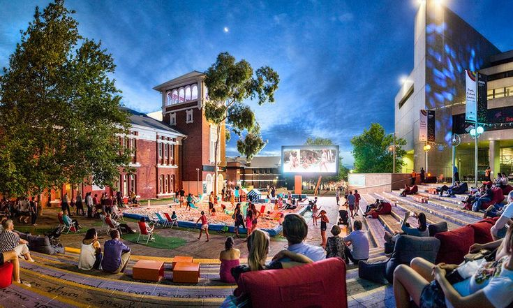 Perth Cultural Centre has become a popular meeting place for locals and visitors. Sitting between the city centre and Northbridge, it's the cultural heart of the city with a vibrant mix of arts, music, food, entertainment and festivals.