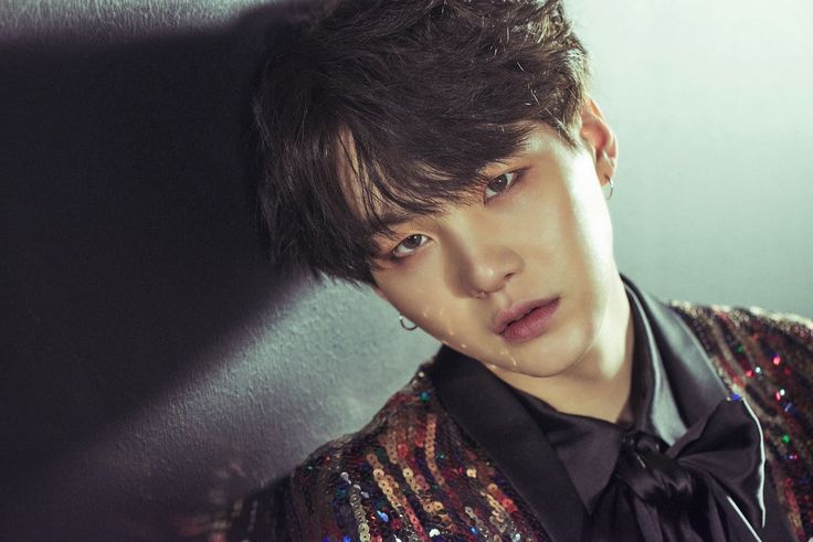 BTS || SUGA & - Concept photos #2 for WINGS - Ok his hair is back to black like OMG I CAN'T I can't breath and I am not calm.