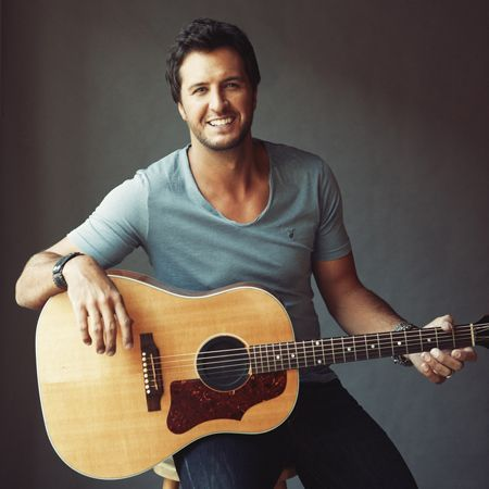 Luke Bryan, YOU can crash MY party anytime... <3 #sigh