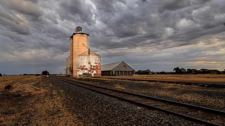https://flic.kr/p/Ey3mx3 | The silos at Lah - evening | The grain silos at Lah, north of Warracknabeal, Victoria, Australia, sunset.