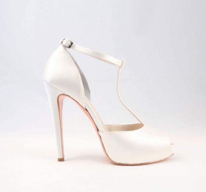 Le scarpe da sposa di Alessandra rinaudo in una romantica foto gallery