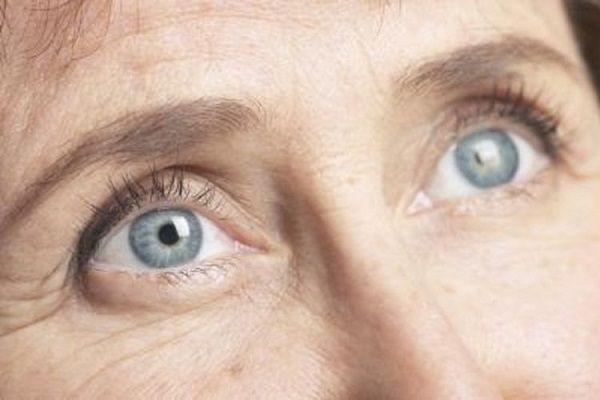 La degeneración macular es una de las enfermedades visuales que pueden reducir su calidad de vida. Esto es especialmente cierto como un adulto. Esta es una enfermedad retiniana que ocurre cuando la mácula se deteriora. Esta membrana es una membrana ligeramente amarilla que se encuentra detrás de los ojos. La enfermedad se caracteriza por causar ...