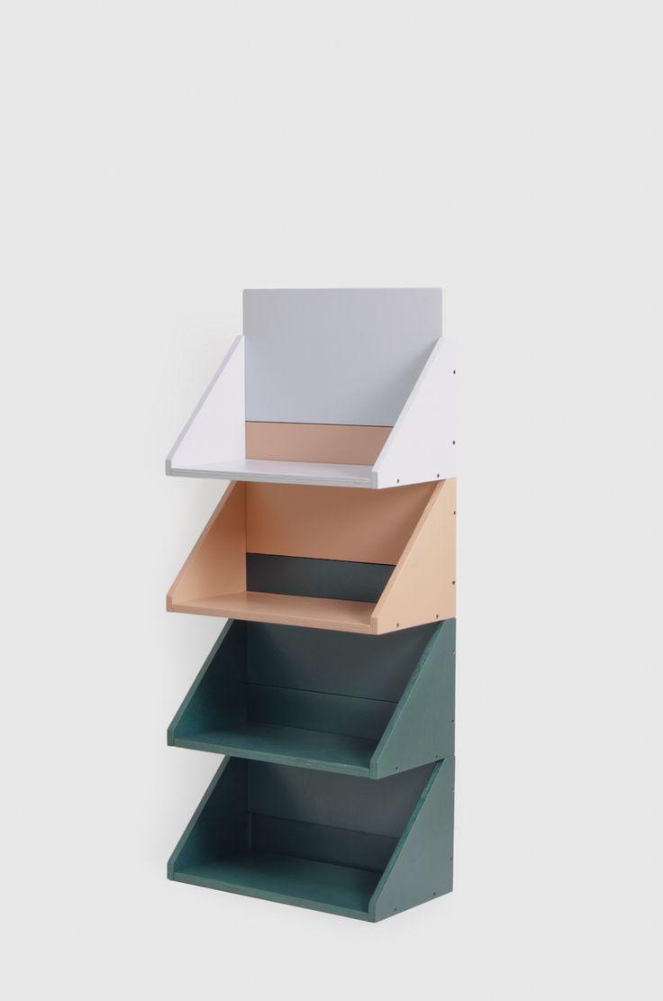 UGO is a minimal shelving system created by Spain-based designer Jorge de la Cruz.