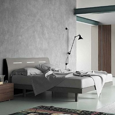 Contemporary, elegant 'Tommy' bed by Orme