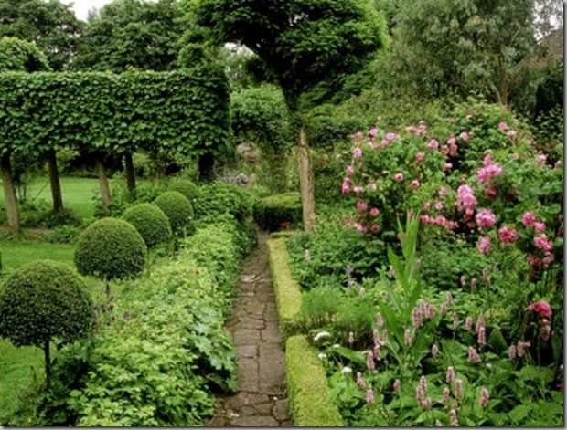 Herb Parterre   This Is A Herbal Parterre Garden. It Has More Of A Casual