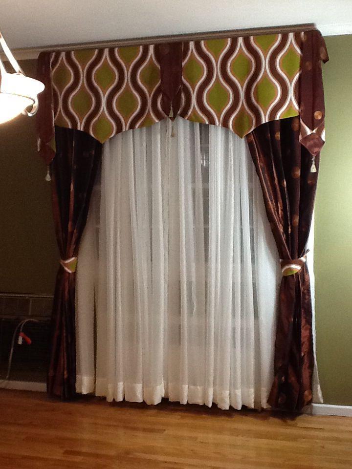 Cortina y cenefa contempor nea cenefa para cortina for Como poner ganchos de cortinas
