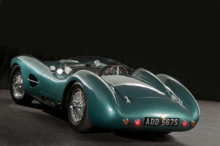 Vista trasera Aston Martin DB 1 (réplica) motor Jaguar XK 8, carrocería aluminio. ¡Apúntate al aluminio!