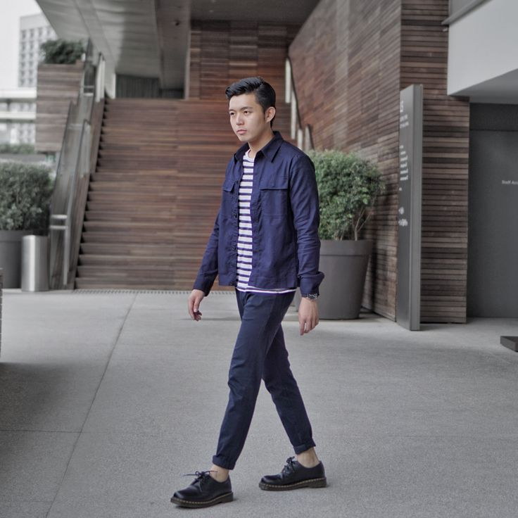 OOTD men outfit ideas singapore hm jacket navy blue Uniqlo jeans dr martens