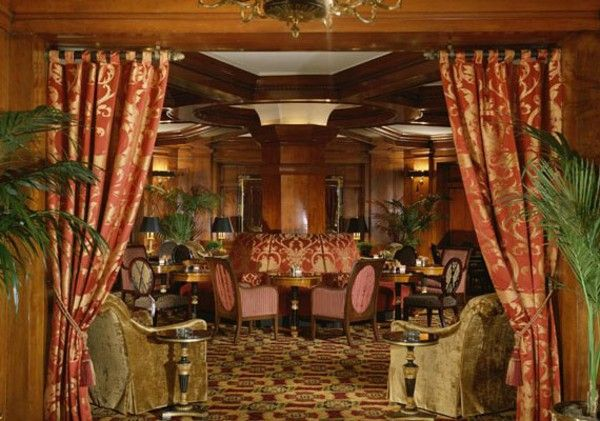 Sorrento Hotel ~ Slient Reading Party  Wish I lived in Seattle
