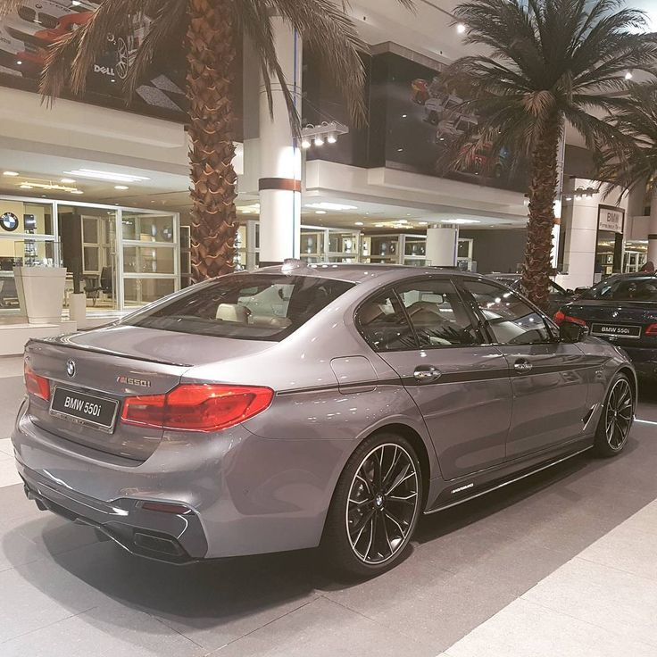 130 вподобань, 1 коментарів – Abu Dhabi Motors Official Page (@abudhabimotors) в Instagram: «The BMW M550i xDrive. It is equipped with M Performance TwinPower Turbo eight-cylinder petrol…»