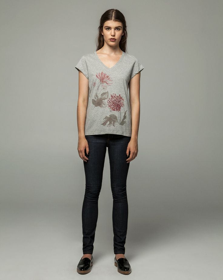 Workshop Denim Violet V Tee Chrysanthemum Watercolour - Grey