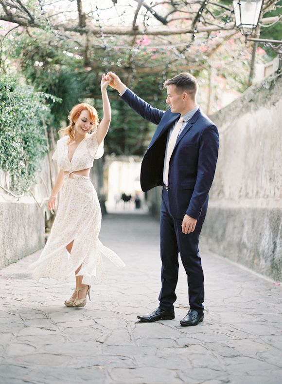Amalfi Coast styled engagement | Wedding Sparrow - outfit details on the blog!