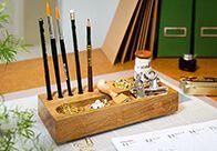 Kleines Kästchen, große Wirkung! Mit dem edlen Schreibtisch-Organizer schaffst du spielend Ordnung und setzt einen hübschen Akzent auf deinem Tisch.