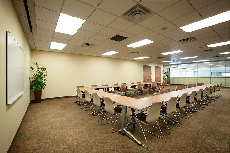 Best meeting space. Fully equipped with built-in audio and visual components, this room helps team meetings, brainstorming sessions and trainings flow smoothly. A modern glass wall offers an open, airy feel while retaining your privacy. Best among-st most corporate training rooms at Hosuton