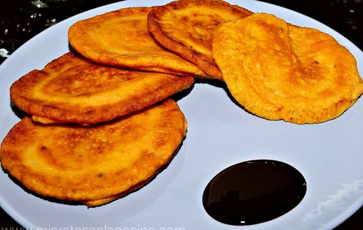 Tortillas de Carnaval o tortitas dulces, tradicionales del Carnaval de Gran Canaria. Un dulce sencillo y delicioso, símbolo de la alegria y hospitalidad.