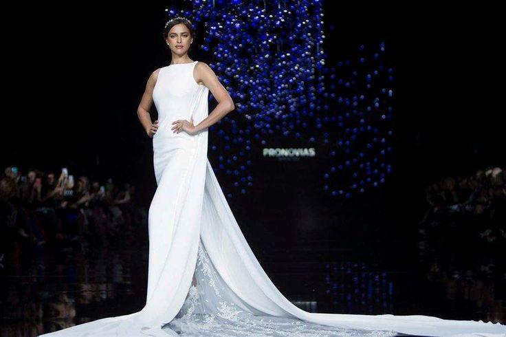 Pelo segundo ano consecutivo, Irina Shayk, ex-namorada de CR7 foi a estrela do desfile da Pronovias, em Barcelona. Vestida de noiva, com transparências sexy, abriu a passagem ao ritmo de Prince.