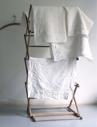 laundry drying rack | I need this!Modern Interiors Design, Dry Racks, Clothing Line, Decor Room, Home Interiors, Design Interiors, Hotels Interiors, Beds Linens, Volga Linens