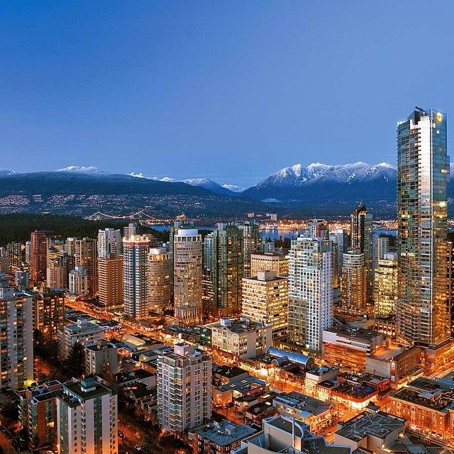 #vancouver #vancity #beautifulbc #canada #realestate #luxury #realtor #home #house #condo #picoftheday #night #loveit #capture #downtown #market#aarealtygroup by aarealtygroup