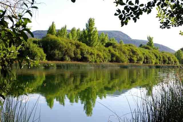 Lago Carucedo en León, Fuente: www.deviajeporespana.com
