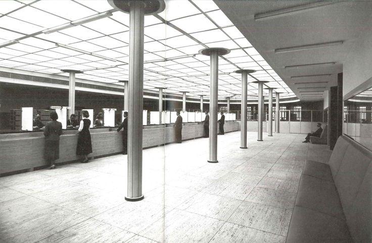 J.J.P. Oud- Spaarbank te Rotterdam, 1955
