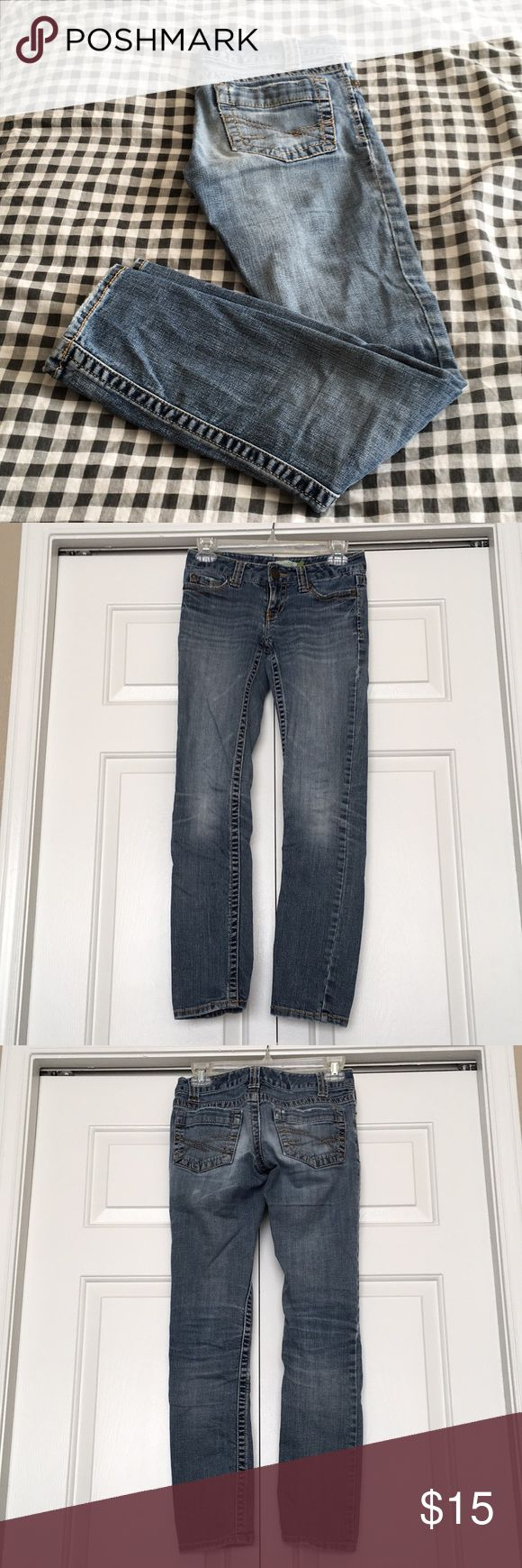 Aeropostale Skinny Jeans Aeropostale Denim Skinny Jeans Very little distress Small white mark on back (shown in fourth picture) Aeropostale Jeans Skinny