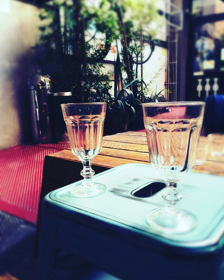 Glasses to drink together